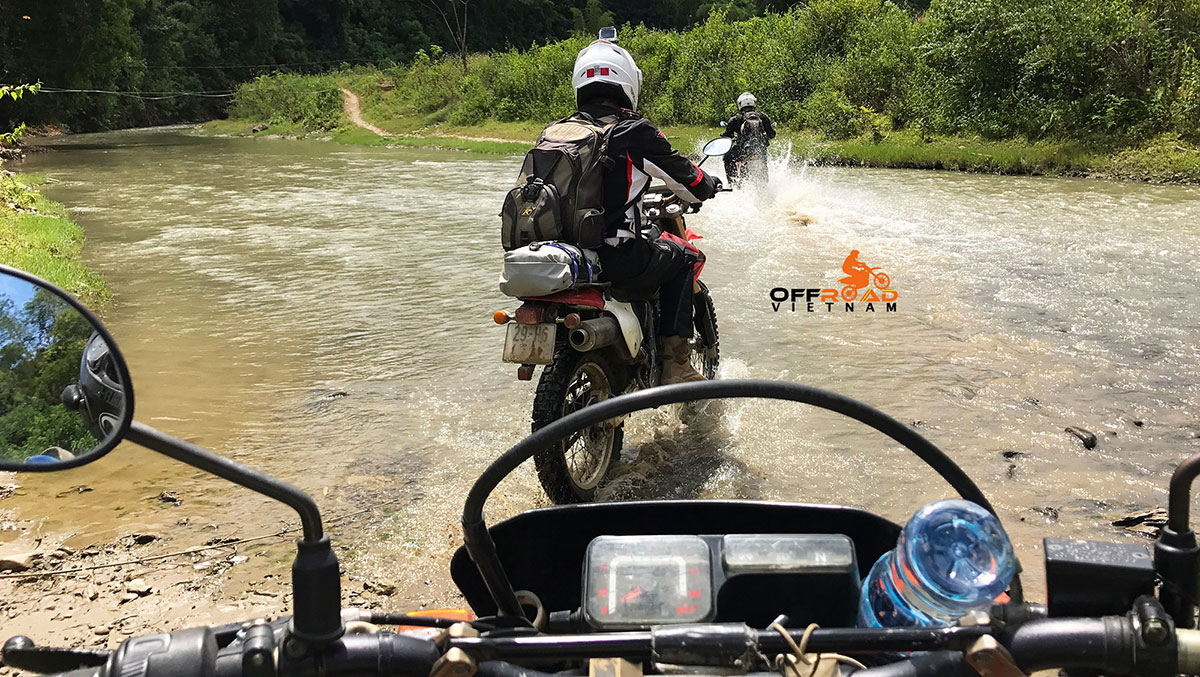 Great North Loop Of Vietnam By Motorcycle: Dirt biking through Northeast Vietnam to That Khe, Dong Khe. Cao Bang.