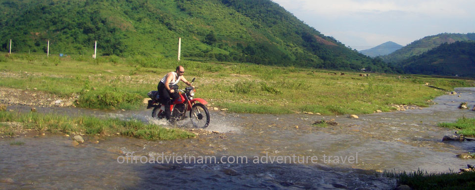 Vietnam Motorbike Motorcycle Tours - Vietnam Motorbike Tour Photos. Vietnam Motorbike Tour Photos of Vietnam Motorbike Motorcycle Tours