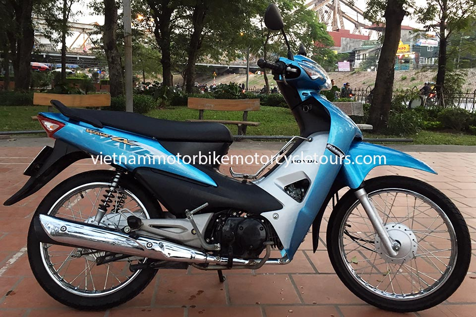 Vietnam Motorbike Motorcycle Tours - scooters for rent in Hanoi. Honda Wave Alpha semi-automatic 100cc
