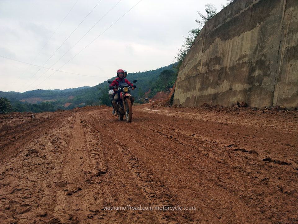 Vietnam Motorbike Motorcycle Tours - Great North Loop Of Vietnam By Motorcycle: Dirt biking through Northeast Vietnam to That Khe, Dong Khe. Great North Loop