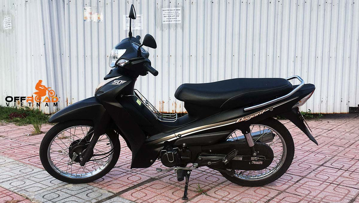 SYM Elegant semi-automatic scooter 50cc 2017 for hire in Hanoi.